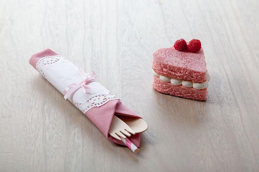Catalogo de repostería a domicilio, tartita de nata y fresa. My Candy Prince